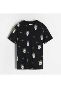 Reserved - T-shirt z nadrukiem - Czarny. Kolor: czarny. Wzór: nadruk