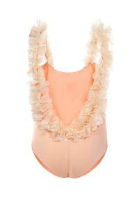 LA REVECHE KIDS - Jasnoróżowy strój kąpielowy z ozdobą. Kolor: różowy, wielokolorowy, fioletowy. Materiał: tkanina, szyfon, poliamid, elastan. Wzór: aplikacja