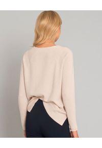 HEMISPHERE - Zestaw - sweter z kaszmiru i chusta z wełny. Okazja: na co dzień. Kolor: beżowy. Materiał: wełna, kaszmir. Długość rękawa: długi rękaw. Długość: długie. Styl: wizytowy, klasyczny, elegancki, casual