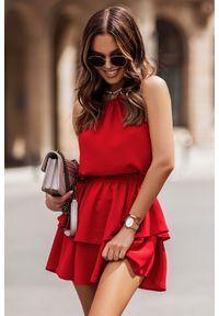 IVON - Komplet Bluzka i Mini Spódnica z Falbankami - Czerwony. Typ kołnierza: kołnierz z falbankami. Kolor: czerwony. Materiał: elastan