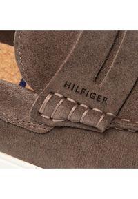 TOMMY HILFIGER - Tommy Hilfiger Mokasyny Sustainable Loafer FM0FM03603 Brązowy. Kolor: brązowy