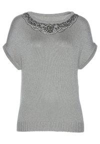 Sweter z przędzy tasiemkowej bonprix srebrny metaliczny. Kolor: srebrny. Wzór: aplikacja