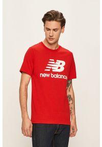 Czerwony t-shirt New Balance z nadrukiem, casualowy, na co dzień