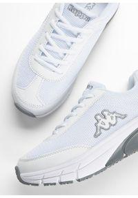 Białe buty sportowe bonprix na platformie