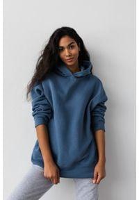 Marsala - Bluza z kapturem w kolorze BREEZY BLUE - CARDIFF BY MARSALA. Okazja: na co dzień. Typ kołnierza: kaptur. Materiał: dresówka, dzianina, elastan, bawełna. Styl: casual
