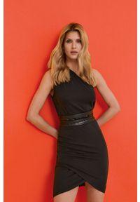 Czarna sukienka Answear Lab prosta, na urodziny, mini