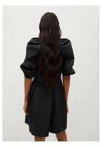 mango - Mango Sukienka codzienna Pope 87075666 Czarny Regular Fit. Okazja: na co dzień. Kolor: czarny. Typ sukienki: proste. Styl: casual