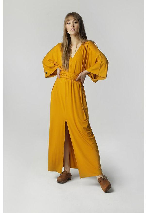 Madnezz - Sukienka Ula - żółta. Kolor: żółty. Materiał: wiskoza. Długość: maxi