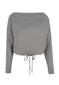 TOP SECRET - Bluza nierozpinana damska we wzory. Okazja: do pracy, na co dzień. Kolor: czarny. Materiał: materiał. Długość rękawa: długi rękaw. Długość: długie. Wzór: aplikacja. Sezon: jesień. Styl: casual