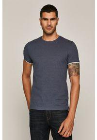 Niebieski t-shirt medicine