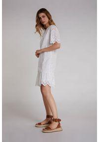 Biała sukienka Oui asymetryczna