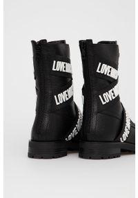 Love Moschino - Botki skórzane. Nosek buta: okrągły. Kolor: czarny. Materiał: skóra