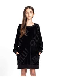 ROBERT KUPISZ - Czarna sukienka Kids Velvet Logo. Kolor: czarny. Materiał: welur, tkanina. Długość rękawa: długi rękaw. Typ sukienki: oversize