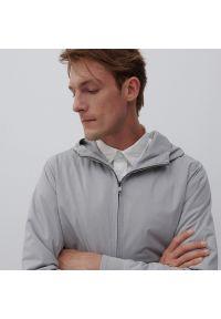Reserved - Bluza z kapturem - Jasny szary. Typ kołnierza: kaptur. Kolor: szary