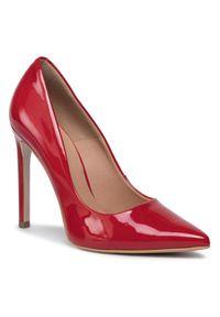 Czerwone półbuty Gino Rossi na średnim obcasie, z cholewką, eleganckie, na szpilce