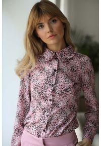 Różowa bluzka Nommo w kwiaty