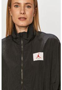 Czarna kurtka Jordan casualowa, gładkie, na co dzień
