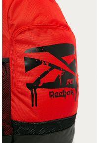 Czerwony plecak Reebok z nadrukiem