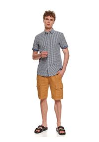 TOP SECRET - Koszula męska z w kratkę z krótkim rękawem. Kolor: niebieski. Długość rękawa: krótki rękaw. Długość: krótkie. Wzór: kratka
