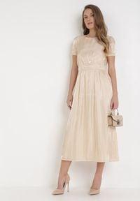 Born2be - Beżowa Sukienka Halpheno. Kolor: beżowy