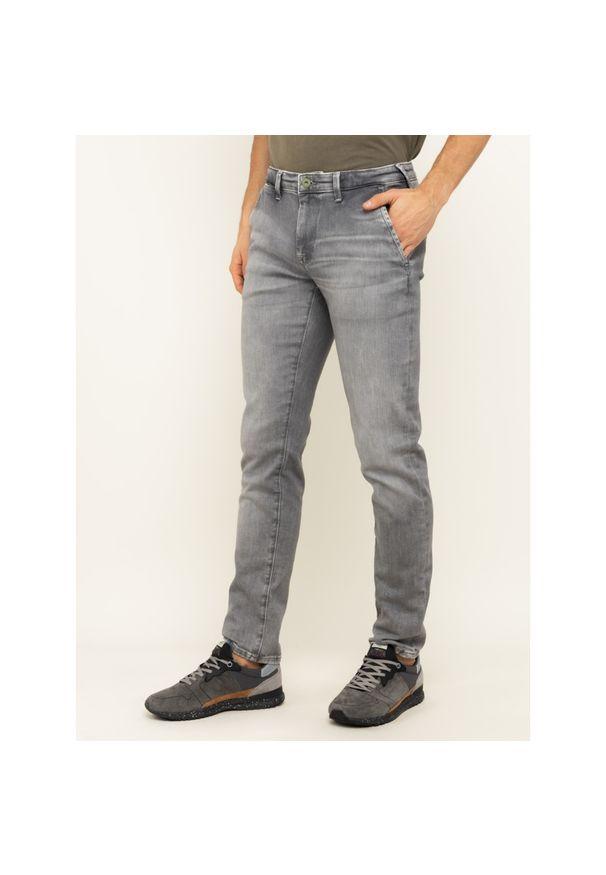 Jeansy Slim Fit Pepe Jeans James PM202365. Kolor: szary. Materiał: elastan, bawełna