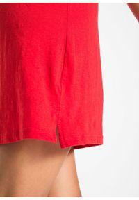 Sukienka z dżerseju z fantazyjnej przędzy bonprix truskawkowy. Kolor: czerwony. Materiał: jersey. Wzór: haft