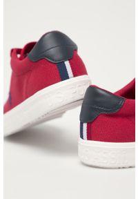 U.S. Polo Assn. - Tenisówki. Nosek buta: okrągły. Zapięcie: sznurówki. Kolor: czerwony. Materiał: guma, syntetyk, materiał, skóra. Szerokość cholewki: normalna #2