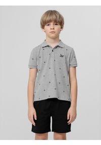 4f - Koszulka polo regular chłopięca. Typ kołnierza: polo. Kolor: szary. Materiał: materiał