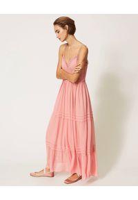 TwinSet - TWINSET - Różowa maxi sukienka na ramiączkach. Kolor: różowy, fioletowy, wielokolorowy. Materiał: wiskoza, koronka. Długość rękawa: na ramiączkach. Wzór: koronka. Styl: boho. Długość: maxi