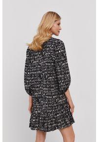 Nissa - NISSA - Sukienka. Materiał: tkanina. Typ sukienki: rozkloszowane