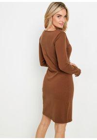Sukienka dzianinowa bonprix kasztanowy. Kolor: brązowy. Materiał: dzianina. Długość rękawa: długi rękaw. Wzór: gładki
