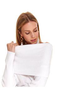 Biały sweter TOP SECRET z golfem, długi, z długim rękawem