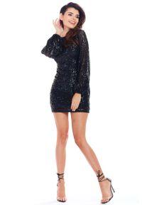 Awama - Czarna Cekinowa Mini Sukienka z Długim Rękawem. Kolor: czarny. Materiał: poliester, elastan. Długość rękawa: długi rękaw. Długość: mini
