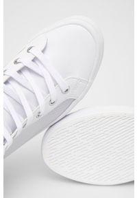 Calvin Klein Jeans - Trampki. Nosek buta: okrągły. Zapięcie: sznurówki. Kolor: biały. Materiał: guma. Obcas: na platformie