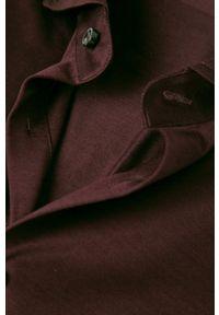Baldessarini - Koszula. Typ kołnierza: kołnierzyk włoski. Kolor: czerwony. Materiał: dzianina. Długość rękawa: długi rękaw. Długość: długie. Wzór: gładki