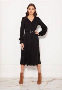 e-margeritka - Sukienka midi elegancka z bufiastymi rękawami czarna - 40. Okazja: do pracy. Kolor: czarny. Materiał: poliester, materiał. Typ sukienki: proste, rozkloszowane. Styl: elegancki. Długość: midi