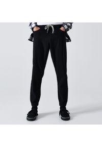 Czarne spodnie Cropp