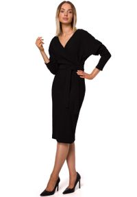 MOE - Czarna Dzianinowa Prążkowana Sukienka o Kopertowym Dekolcie. Kolor: czarny. Materiał: dzianina, prążkowany. Typ sukienki: kopertowe