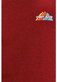 Tommy Jeans - Bluza. Okazja: na co dzień. Kolor: czerwony. Materiał: dzianina. Wzór: gładki. Styl: casual
