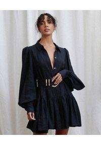 ACLER - Czarna sukienka Sherwood. Kolor: czarny. Materiał: tkanina, materiał. Styl: klasyczny. Długość: mini