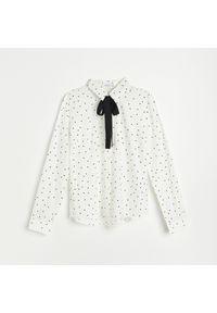 Reserved - Koszula z wiskozą - Kremowy. Kolor: kremowy. Materiał: wiskoza