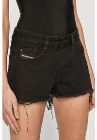 Diesel - Szorty jeansowe. Okazja: na co dzień. Stan: podwyższony. Kolor: czarny. Materiał: jeans. Styl: casual