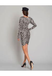 CAROLINE CONSTAS - Jedwabna sukienka w panterkę. Okazja: na imprezę, na randkę. Kolor: szary. Materiał: jedwab. Wzór: motyw zwierzęcy. Typ sukienki: asymetryczne. Styl: wizytowy. Długość: mini