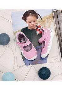 Tenisówki dziecięce Befado 109P223 Różowe. Zapięcie: rzepy. Kolor: różowy. Materiał: tworzywo sztuczne, tkanina, materiał