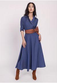 e-margeritka - Sukienka midi rozkloszowana jeans - 42. Materiał: jeans. Typ sukienki: kopertowe, rozkloszowane. Styl: elegancki. Długość: midi