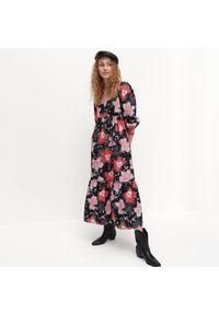 Czarna sukienka Reserved maxi