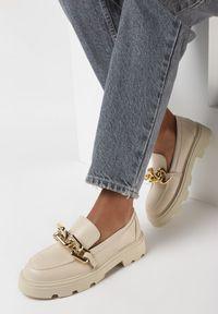 Born2be - Jasnobeżowe Mokasyny Egothee. Nosek buta: okrągły. Zapięcie: bez zapięcia. Kolor: beżowy. Materiał: jeans. Wzór: gładki. Obcas: na platformie