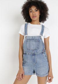 Born2be - Jasnoniebieskie Szorty Ogrodniczki Klephophis. Stan: podwyższony. Kolor: niebieski. Materiał: jeans. Długość: krótkie