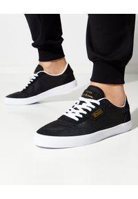 Ralph Lauren - RALPH LAUREN - Czarne sneakersy Court Low-Top. Nosek buta: okrągły. Kolor: czarny. Materiał: tkanina, guma, mesh, zamsz. Wzór: aplikacja. Obcas: na płaskiej podeszwie