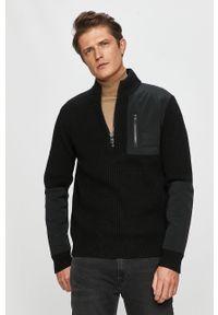 Czarny sweter Calvin Klein Jeans krótki, casualowy, na co dzień
